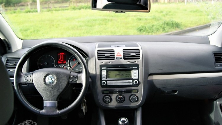 Volkswagen Golf 1.9 TDI BLUEMOTION